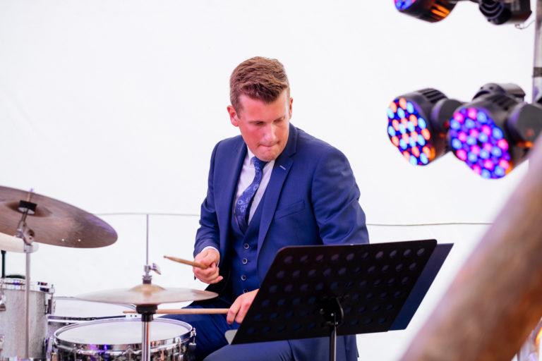 Drummer Mitchell Damen